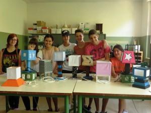 El grupo y sus lámparas