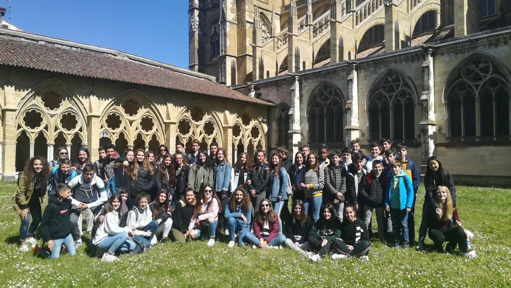 El grupo español con sus correspondientes franceses.